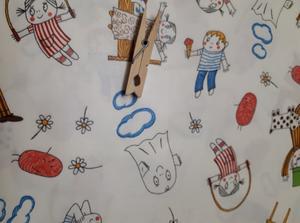 Vaxduks stuvbit Lilla Anna vit 40*145 cm egen design av tyget